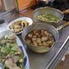 幸運な病のレシピ( 709 )朝:イカ大根、タラ切り身、豚焼肉、ネギ頭とカリフラワの味噌汁