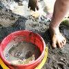 泥汚れが落ちない時には?しつこい泥ハネの染み抜き方法