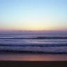 早朝の海を撮る。夜の終わりから朝に変わる時間。