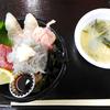 「海千館」の「生しらす丼」