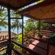 シアヌークビルで泊まった、海を眺める小さなバンガロー宿「Above Us Only Sky Bar & Bungalows」
