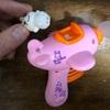 プラスチックのおもちゃが折れたのでアロンアルファで直す