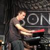 デレク・シェリニアン 「俺たちは全員、楽器から際立った特徴的サウンドを出す」