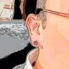 左耳の三つのピアスには笑えないエピソード