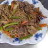 幸運な病のレシピ( 1655 )朝:牛肉と色々炒め、豚バラブロック炙り焼き、鮭、味噌汁、マユのご飯、後片付け