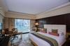 【アメックスプラチナ会員向け】世界各地のマンダリン・オリエンタルに連泊すると3泊目または4泊目の宿泊料金が無料になるキャンペーンを開催中!公式サイトで予約するより安く泊まれて様々な特典が提供されます。