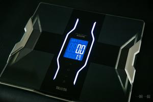 TANITA RD-906 スマホで筋肉量や体脂肪がわかる体重・体組成計 インナースキャンデュアル