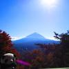 富士山と紅葉と河口湖。