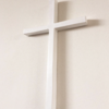 ギャルリ百草から安藤政信さんの作品が届いた。掛け花シリーズの十字架に白あるの知ってました?