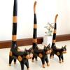 バリ島で見つけた木彫りの猫置物。素朴な感じが可愛い