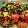 卵とトマトとニラの炒め物