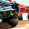 マキタが使える赤の工具 変速ディスクグラインダー WAKYME レビューします