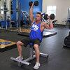 肩の不安定性に対するウェイトトレーニング(肩関節外転外旋を行う「ハイファイブ」の姿勢は肩関節包前部に負荷を与えるために、肩前部の過弛緩を引き起こし、不安定性をもたらす)
