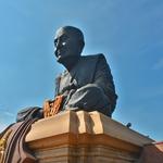 「ワット・フワイ・モンコン ( Wat Huay Mongkol)」~ホアヒン市街から自転車で、鎌倉の大仏と同じ大きさ。。。