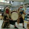 JR田町駅に「なまはげ」出現!