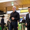 AppleCEOのティム・クックが来日 伏見稲荷・任天堂本社・東京を訪問