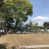 朝はテニス、夜は……