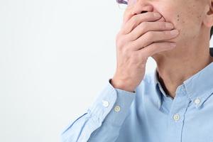 舌苔(ぜったい)とは? 舌の白い付着物が起こすトラブルやケア方法を解説