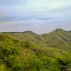 27 草原 の 山