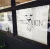 エカマイ駅から徒歩10分の所にある 「INK&LION Cafe」