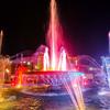 ラオス・ビエンチャンのナンプ広場で綺麗な夜景を見ながらディナー。日本人限定の面白メニューあり。