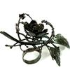 「花と鉄骨の一輪」|リング|ナオ セガワ
