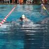 初級クロールと中級平泳ぎ