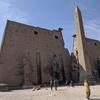 ナイル川クルーズとエジプト満喫8日間 ルクソール東岸-ルクソール神殿観光