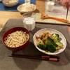 素うどん、ブロッコリーと鶏肉の炒め物、大根の甘酢漬け、昨日のハラス