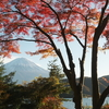 紅葉と富士山の河口湖 撮影スポットなど