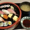 競馬場で食う寿司はうまいかッ!!中山競馬場地下1階「和可奈」