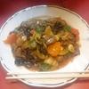 ゴイロセイ(羊肉と野菜の炒め物)