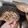 幸運な病のレシピ( 131 ) 牡蠣のアヒージョ、モツ煮込み、汁