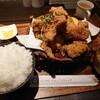 楽器練習帰りのお約束、金沢市新保本にあるチョップスティックでボリュームたっぷり鶏の唐揚げ。練習前には野菜も少々。