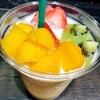 爽やかな甘さのクプアスフルーツスムージー!渋谷ヒカリエシンクスのフルッタフルッタアサイーカフェはフルーツやスーパーフードをつかったメニューがたくさんそろっています!