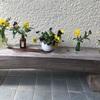 小瓶に花を飾る