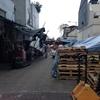 香港旅行二日目(2)。天后に祈る旅の安全。果物卸売市場を見て芒果を貪る
