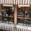 トンロー駅前の便利なカフェ「Thonglor Travellers Hostel and Cafe(トンロートラベラーズホステル)」