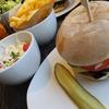 ベルギーで美味しいハンバーガーを食べる