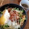今日のお昼は、ロコモコ丼でした。