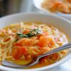 生のトマトで作るフレッシュトマトソーススパゲッティー、モッツァレラチーズで