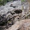 西湖の岩場