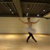 バレエの歩き方&走り方は、ひざとつま先を遠くに伸ばす。
