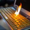 ネット炎上!!炎上のほとんどは、リンクされた引用元の記事をきちんと読まずに「タイトルだけ読んでコメント」という反射的な感情的な投稿の連鎖によって起き、全国の普通の人も参加して延焼する構図になっている。