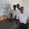 実験室整備(マラウイ)生徒に委ねました、、、先生だめなので、、、。