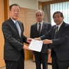 熊本県に来年度予算編成への要望書を提出