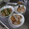 幸運な病のレシピ( 1937 )朝:鮭、ししゃも、鳥手羽、豚ピーマン生姜焼き、味噌汁、マユのご飯