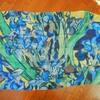 ゴッホの「アイリス」スカーフ