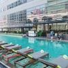 ベビー連れバンコク⑵空港からホテルへの移動、ホテルプール、外でタイ料理とビール