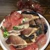 高知市の「市場開放デイ」、1品100円からの具材でつくるオリジナル海鮮丼でマグロもうご期待したくないレベルに腹パン。